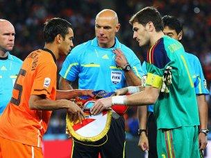 Captains-Holland-Spain-World-Cup-Final-2010_2476484
