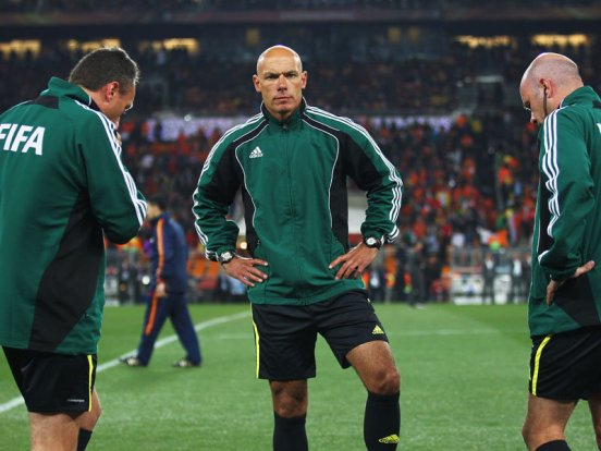 Howard-Webb-Holland-Spain-World-Cup-Final-201_2476467
