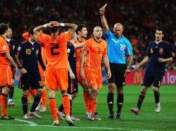 Johnny-Heitinga-Holland-Spain-World-Cup-Final_2476519