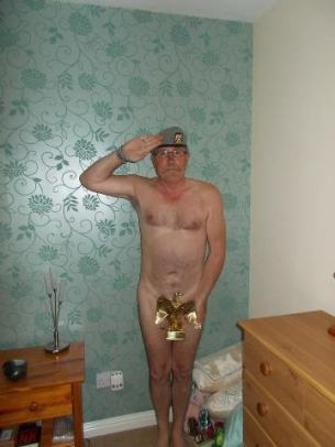 Support Prince Harry with a naked salute 005 (2)