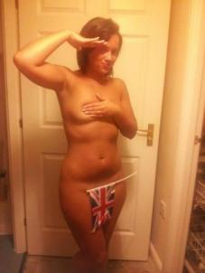 Support Prince Harry with a naked salute (43)