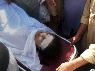 Pakistani girl shot in the head by Taliban (9)