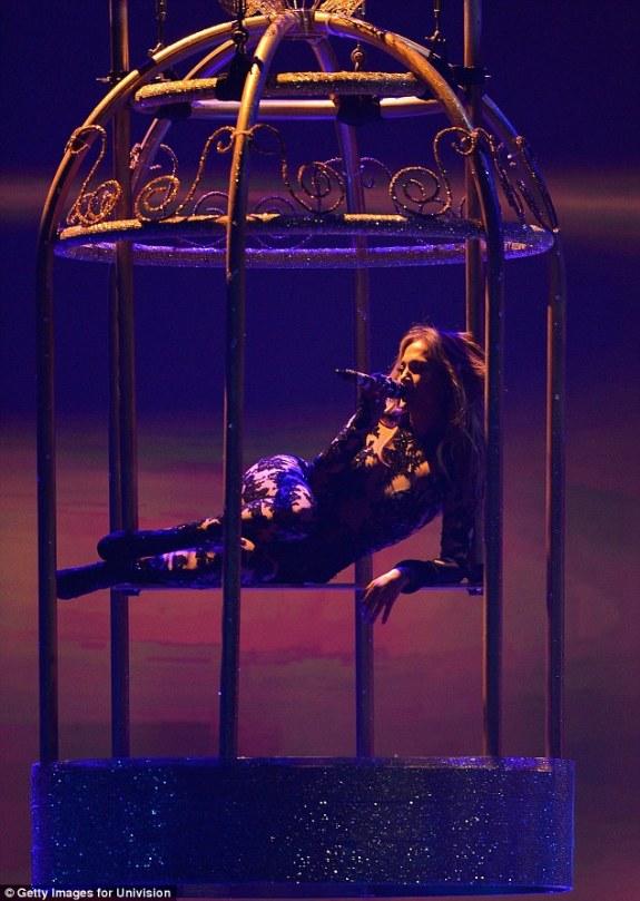 Jennifer Lopez World Icon award Premios Juventud 2013 (1)