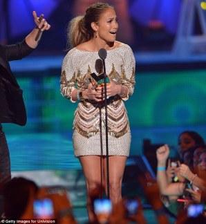 Jennifer Lopez World Icon award Premios Juventud 2013 (16)