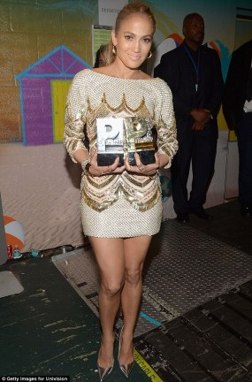 Jennifer Lopez World Icon award Premios Juventud 2013 (3)