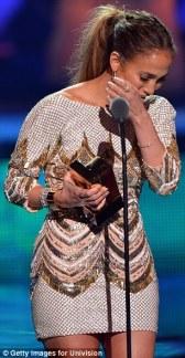 Jennifer Lopez World Icon award Premios Juventud 2013 (8)