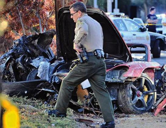 Paul Walker dies in a car crash (4)