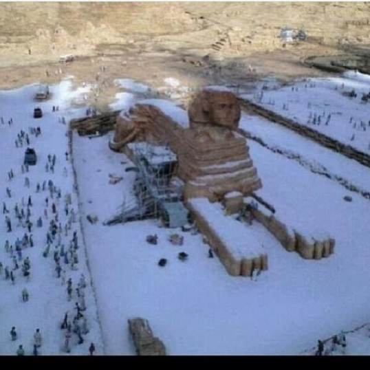 Snow falls on Egypt Pyramids (2)