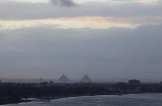 Snow falls on Egypt Pyramids (8)
