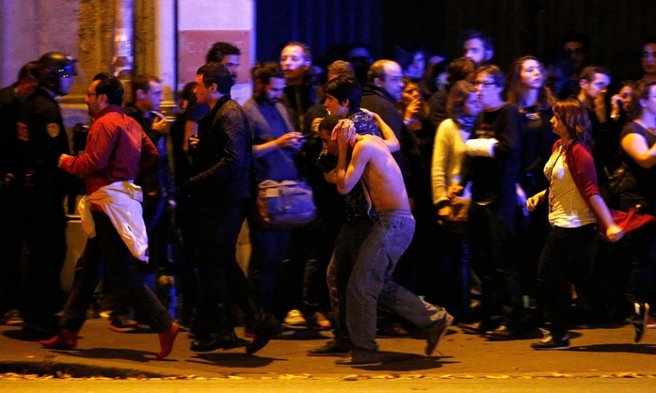 Paris Attacks – Explosions, Gun Fire and Mass Casualties